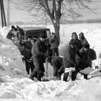 1978, Zima Stulecia  trains story
